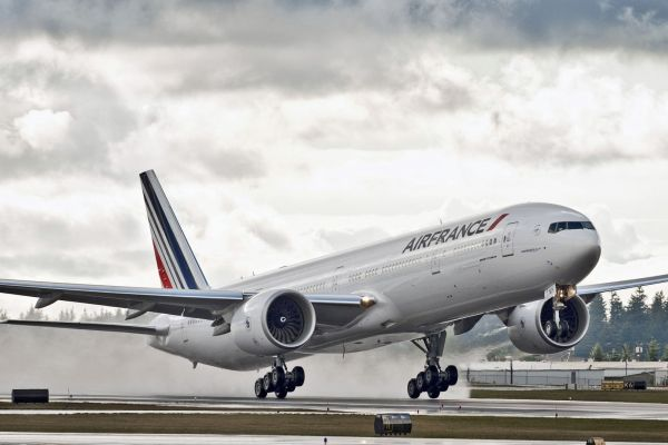 Paris Airport Charles de Gaulle (CDG)